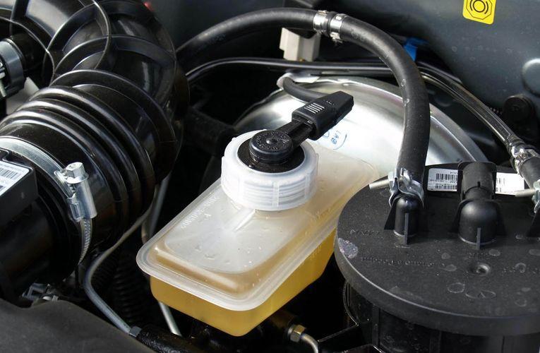 Нюансы выбора тормозной жидкости (AutoParad)