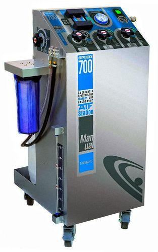 Станцию для замены масла в автоматах следует применять с оговорками. В некоторых случаях такой способ обновления смазки выходит боком.