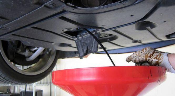 Почему моторное масло надо менять не реже, чем раз в год