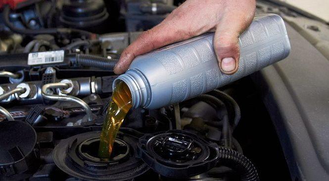 Какое масло заливать в авто с пробегом?