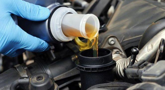 Можно ли зимой заливать в двигатель летнее масло?
