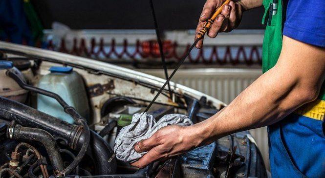 Почему масло в двигателе надо менять раньше, чем требует производитель
