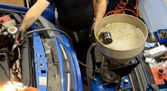 Вакуумный способ замены масла в двигателе – не опасно ли для машины?