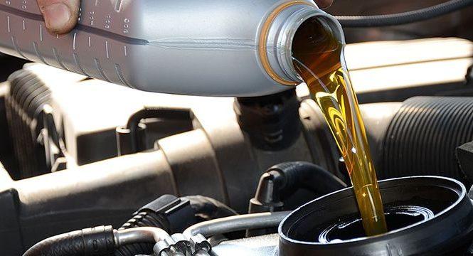 Вот почему менять в автомобиле масло каждые 10 тысяч км не самая лучшая идея